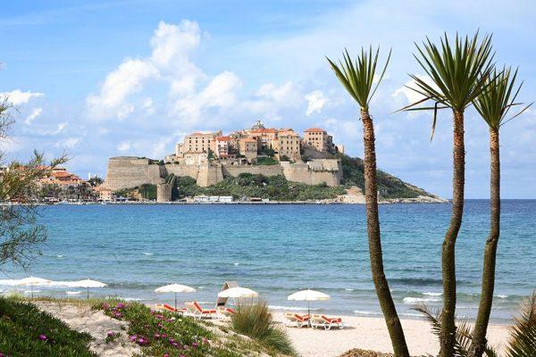 Prochaines vacances, cap sur la Corse, partez découvrir Calvi !