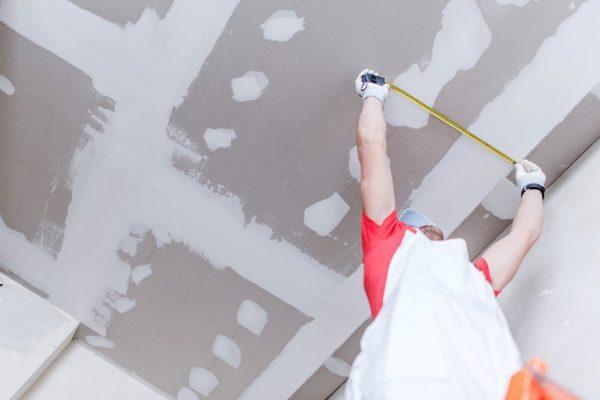 Rénovation maison : nos conseils pour trouver un plaquiste